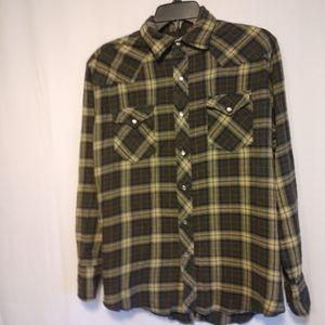 Wrangler button up shirt size L